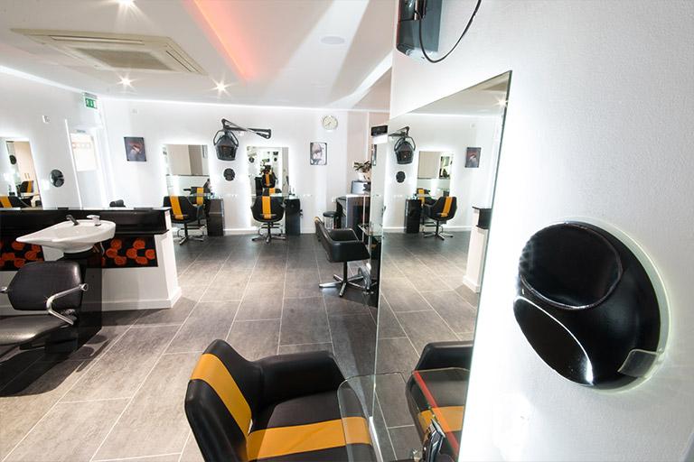 ERIK LANDER Top Spot Salon 1